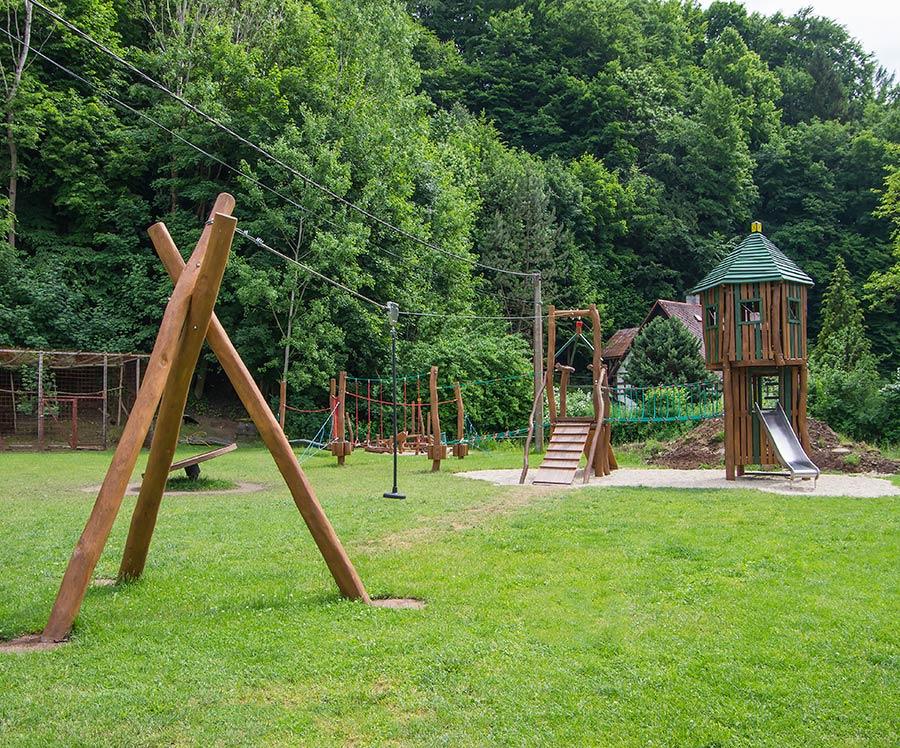 Turnov gioco in legno di robinia | Steboambiente | Giochi per parchi